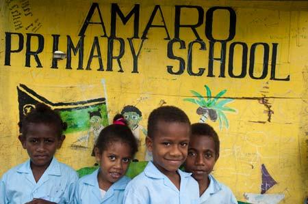 Chegada à Escola Primária Amaro, na ilha Lelepa